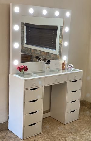 Vanity Mirror set / Makeup for Sale in El Cajon, CA