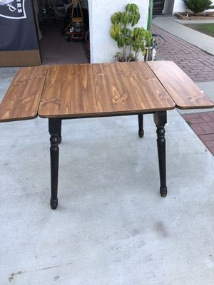Small kitchen table for Sale in Whittier, CA