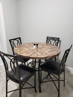 Kitchen table with four chairs for Sale in Auburndale, FL