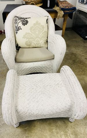 Pottery barn sea grass chair for Sale in Snohomish, WA