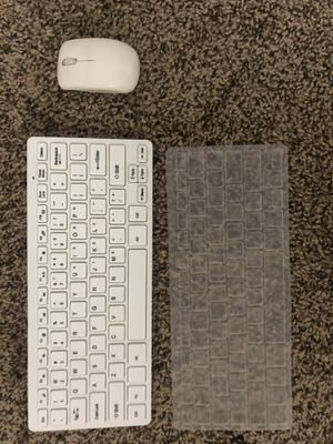Wireless Mini Gaming Keyboard + Cover and Wireless Mouse for Sale in Mankato, MN