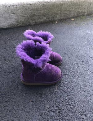 Toddler Uggs size 6 for Sale in Happy Valley, OR