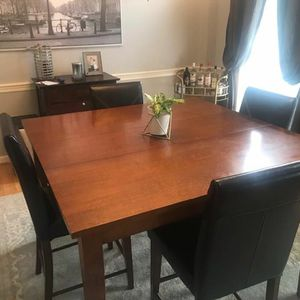Kitchen table and chairs for Sale in Ashburn, VA