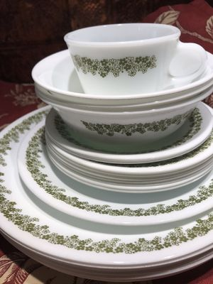 21 pc Corelle Lazy Daisy Dishes Plate Bowls Spring Blossom for Sale in Aberdeen, MD