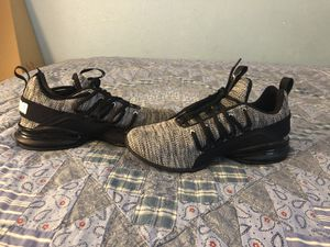 """(Puma) Axelion Men's sneaker athletic (Size """"6"""") Black and White for Sale in Hayward, CA"""