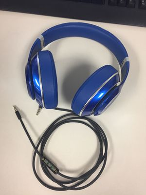 Beats studio wired with aux and charger for Sale in Mesquite, TX