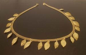 Hard to believe it's not real - elegant necklace for Sale in Rockville, MD