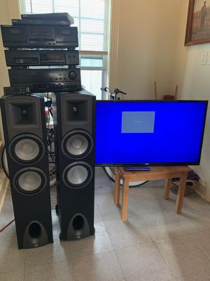 Rca 40 inch tv and klipsch stereo setup for Sale in Houston, TX