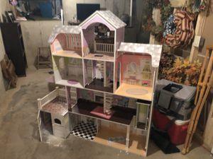 Dollhouse. In good shape. for Sale in Kalamazoo, MI