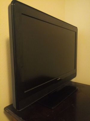 Two (2) TV Philips and Vizio $ 25 each 32 inch for Sale in Haines City, FL