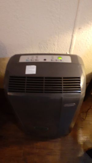 Portable ac/heaterand hummitefer for Sale in Brooksville, FL