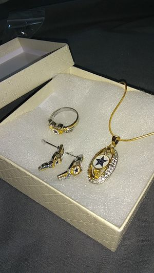 Gold & silver cowboys jewelry set for Sale in Las Vegas, NV