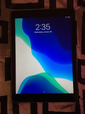 iPad ( 6th Generation ) for Sale in Arlington Heights, IL