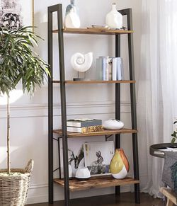 5 Tier Bookshelf Ladder Shelf for Sale in Pomona,  CA
