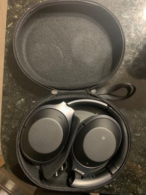 Sony WH1000XM2 wireless headphones for Sale in North Bay Village, FL