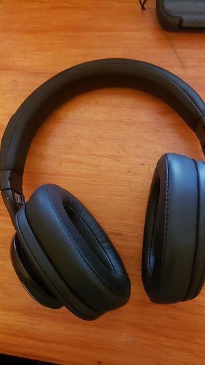 IIIP Bluetooth wireless headphones for Sale in San Marcos, CA