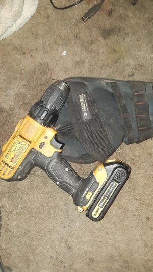 20 volt 1/2 in DEWALT DRILL AND GOOD BATTERY for Sale in Spokane Valley, WA