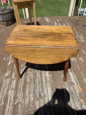 Antique dining table needs TLC for Sale in Farmington, MI