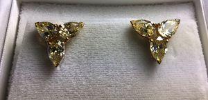 EARRINGS (Vintage) for Sale in Fort Lauderdale, FL