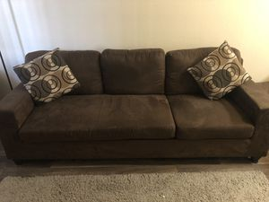 3 Seater Couch with ottoman. Can be L-Shape sectional. for Sale in Guadalupe, AZ