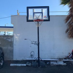 basketball hoop for Sale in Mount Hamilton, CA