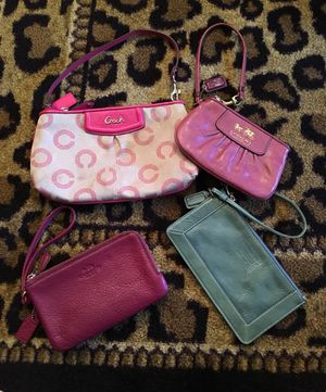 4 Coach Wristlets for Sale in Columbus, OH