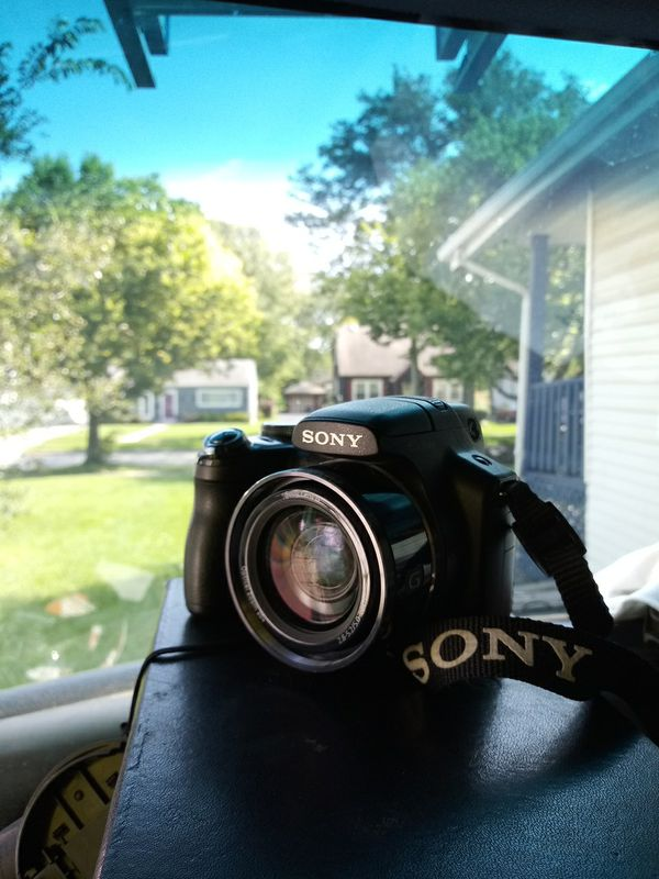 Sony Cyber-Shot DSC-HX1 9.1MP Digital Camera w/20X Zoom, NO Charger Included#528