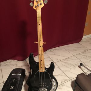 Sterling SUB Bass guitar w/ Xbox 360 for Sale in Palm Harbor, FL
