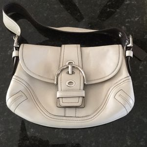 Coach Cream Leather Hand Bag D06D-F10188 for Sale in Hollywood, FL