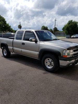 00 Chevy Silverado 3dr,2500 for Sale in Tampa, FL