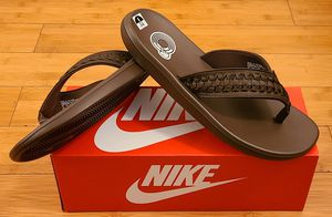 Nike sandals size 8 and 9 for Men. for Sale in Lynwood, CA