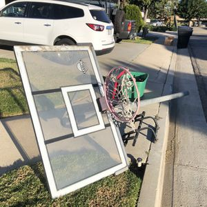 FREE Basketball Hoop for Sale in Placentia, CA