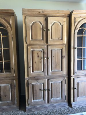 Thomasville solid wood 3 piece wall unit for Sale in Bakersfield, CA