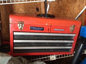 TOOL BOX TOOLBOX CRAFTSMAN for Sale in Punta Gorda, FL