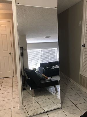 FREE MIRROR CLOSET DOORS for Sale in Tampa, FL