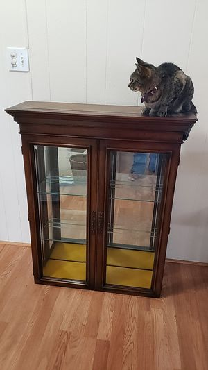 Antique curio cabinet for Sale in Tacoma, WA