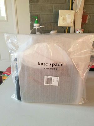 Authentic Kate Spade crossbody purse (new with tags retail price $267) for Sale in Lincoln Acres, CA