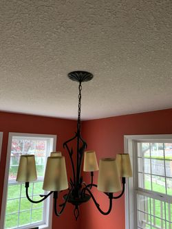 Chandelier ceiling 5 light Lamp Like New for Sale in Portland,  OR