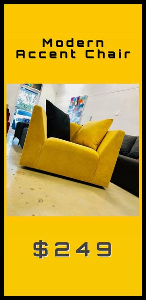 Yellow velvet accent chair for Sale in Winter Park, FL
