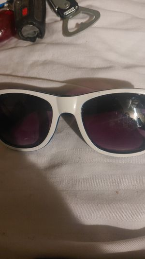 Sunglasses $1 for Sale in Stockton, CA