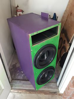 "Skar evl 12's 2ohm box size W36""xH14""xD18"" items are 9 months old like brand new for Sale in Valley Grande,  AL"
