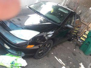 2002 ford focus hatchback for Sale in Lynn, MA