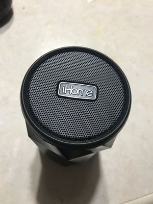 iHome iBT74 speaker for Sale in West Columbia, SC