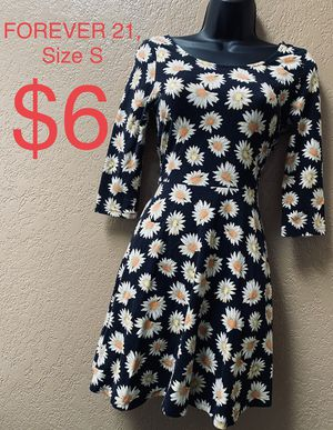FOREVER 21, Black Floral Dress, Size S for Sale in Phoenix, AZ