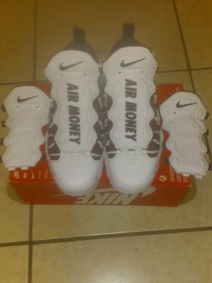 Nike shoes size 8.5 man. for Sale in Tampa, FL