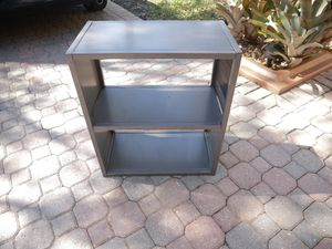 Small book shelf for Sale in Southwest Ranches, FL