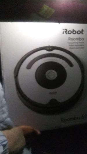 ROOMBA ROBOT VACUUM.....IT VACCUMS YOUR CARPET ALL BY ITSELF. U DON'T HAVE TO DO THE WORK. Call {contact info removed} for Sale in Landover, MD