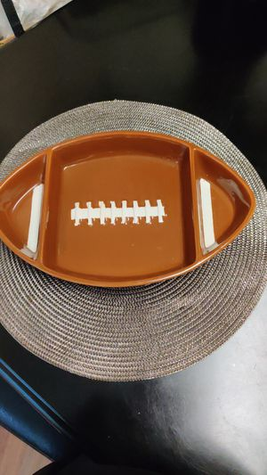 Kitchenworthy football shaped chips and dips party platter for Sale in Cleveland, OH
