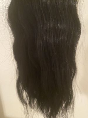 """Natural black 12"""" clip in extensions for Sale in Midland, TX"""