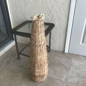 Wicker vase for Sale in Cape Coral, FL